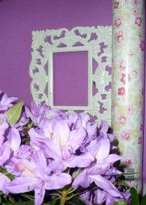 flores frescas y papeles